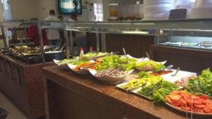 Buffet self service do restaurante Tia Zarica